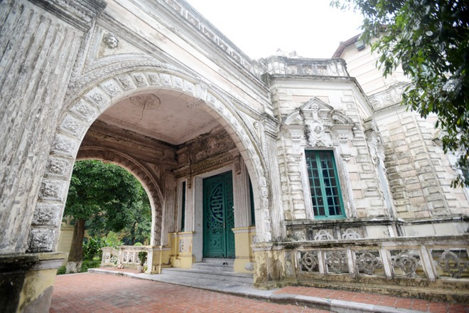 Chu Van An College, former Protectorate College (1908)